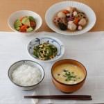 タコと野菜炊き合せの冷やし鉢
