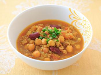 豆と豚ひき肉のトマトカレー煮