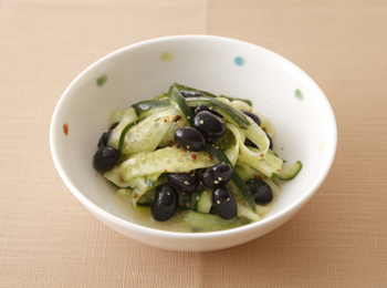 黒豆ときゅうりのリボンサラダ