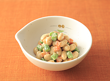 蒸し大豆と野菜の味噌和え