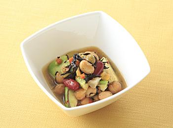 豆とひじきとアボカドのサラダ
