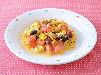 トマトとサラダ豆のふんわり卵炒め
