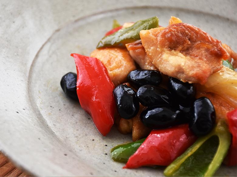黒豆おか酢(ず)黒豆と夏野菜の酢鶏風