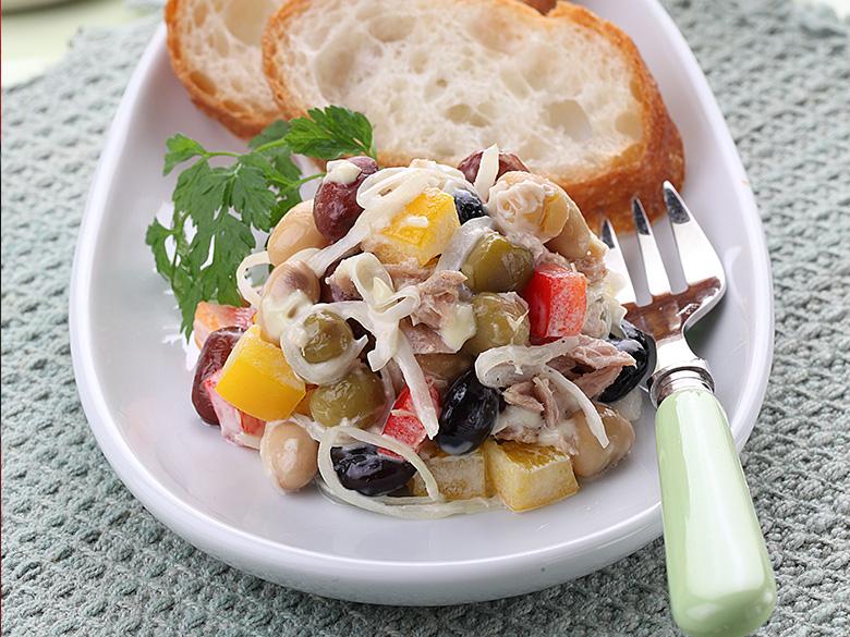 蒸し豆とツナのサラダ