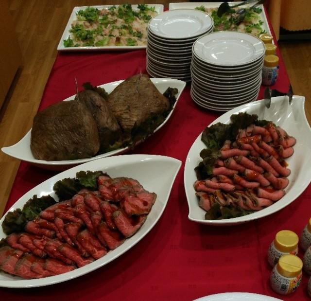 塩こんぶを使った真鯛のカルパッチョと神戸牛のローストビーフ